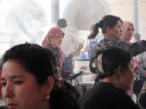 Uzbek faces at the market